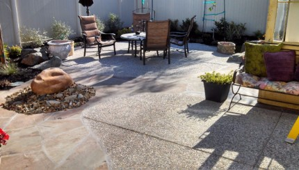 Picture of an aggregate rock and concrete patio installed in Carmichael, CA